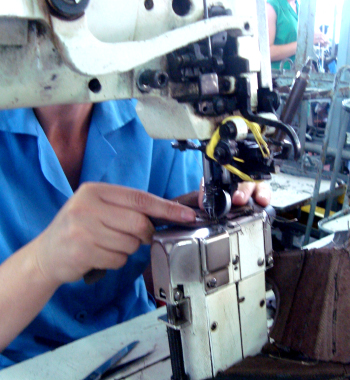 Donianna Shoes manufacturer is one of the world leaders in the shoe manufacturing industry, with more of 01 milion pairs of shoes produced per year of Italian Leather Shoes for our Italian manufacturing industries Private Label, Donianna offers his more than 1200 high skilled shoemakers to design, to prototype, to produce and to finish the best leather shoes for women and men. We are looking for worldwide distributors and private label customers offering the very best made in Italy designed shoes at manufacturing Pricing